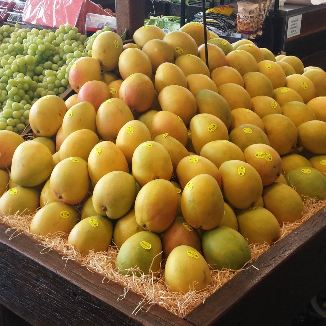 mangoes in shop